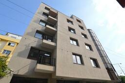 Dr. Leahu Dental Clinic Buys Office Building for Expansion in Herăstrău, Bucharest