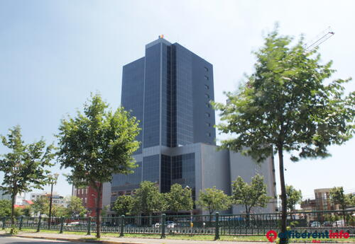Offices to let in Riverside Tower
